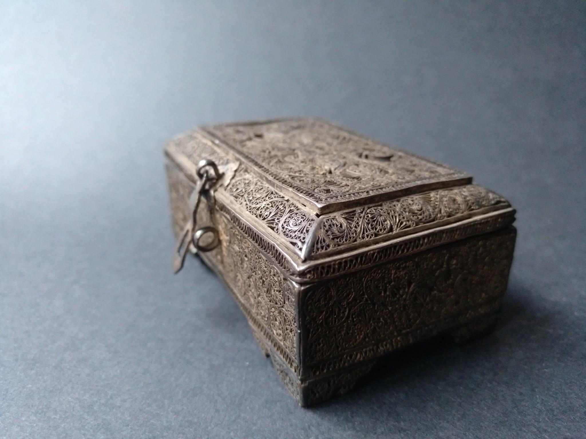 Caja de especias, indoportugues / imperio Mogol s. XVI – XVII